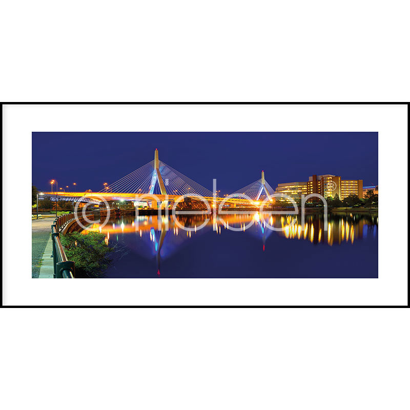 "Indrammet billede ""Bridge at Night"" med aluramme C2"