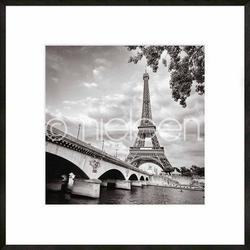 """Indrammet billede """"Paris black and white"""" med aluramme C2"""