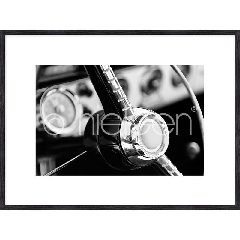 """Indrammet billede """"Interior of Classic Car"""" med træramme Quadrum"""