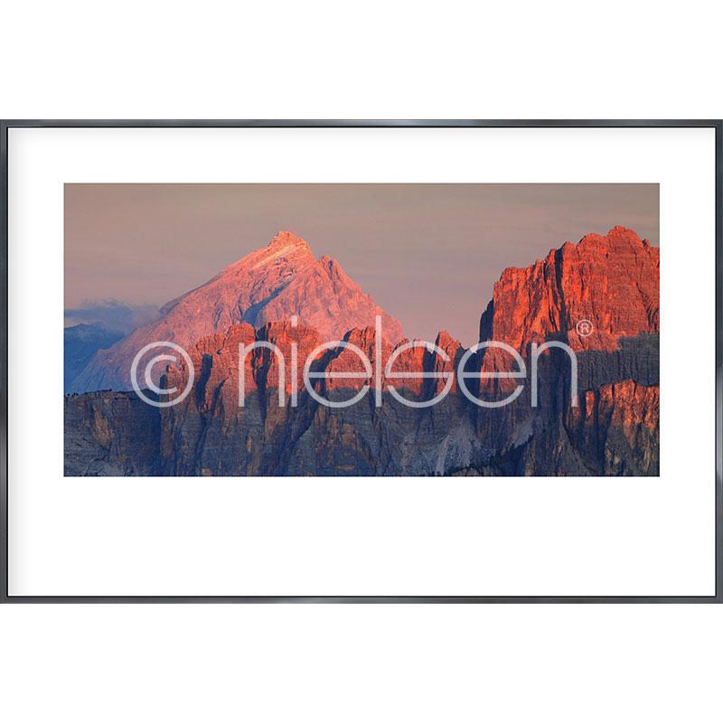 """Indrammet billede """"Dolomede Alps"""" med aluramme Alpha"""