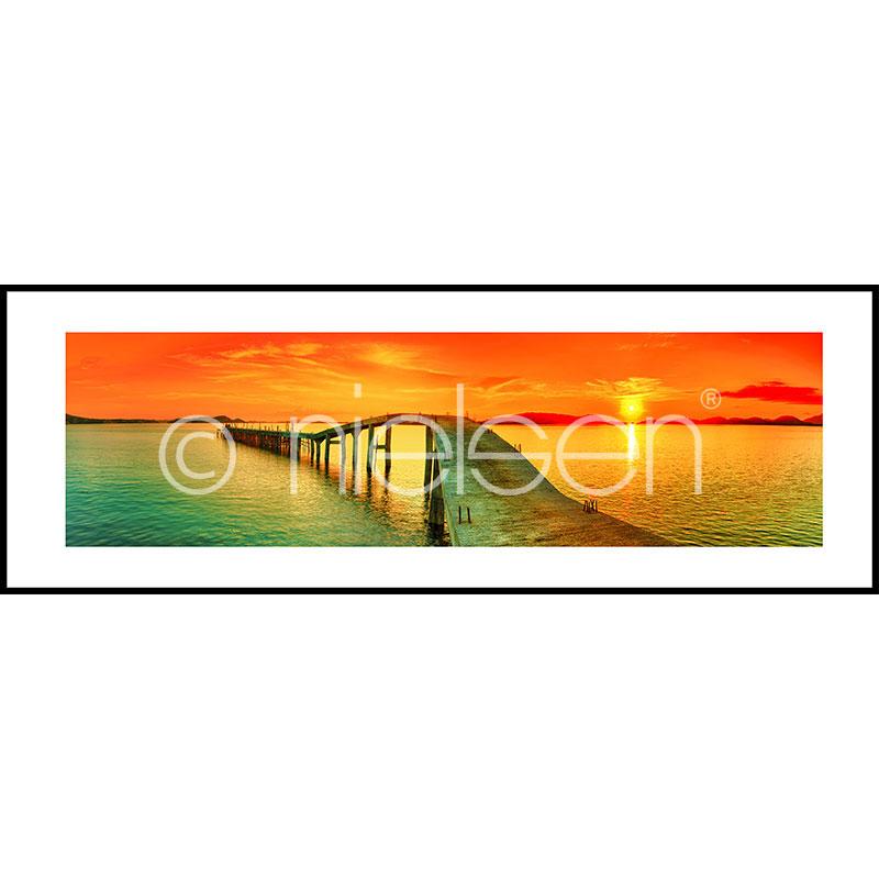 """Indrammet billede """"Footbridge Sunset"""" med aluramme C2"""